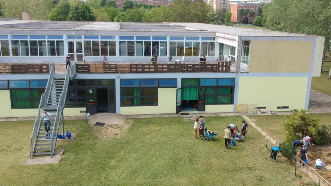 Orto verticale scuola L. C. Farini
